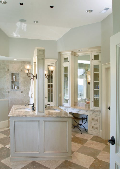 In This Bathroom Design By Barclay Interiors, A Back To Back Vanity Creates  Privacy And Utilizes Some Of The Unused Space In The Middle Of The Room.