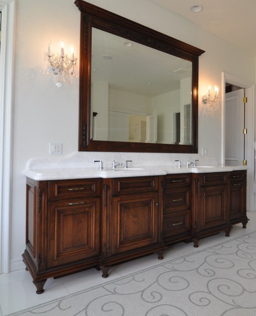 This Vanity Is Designed By Keystone Cabinetry To Look Like A Dresser And Helps Blend The Looks Of Upscale Modern Old Fashioned Antique