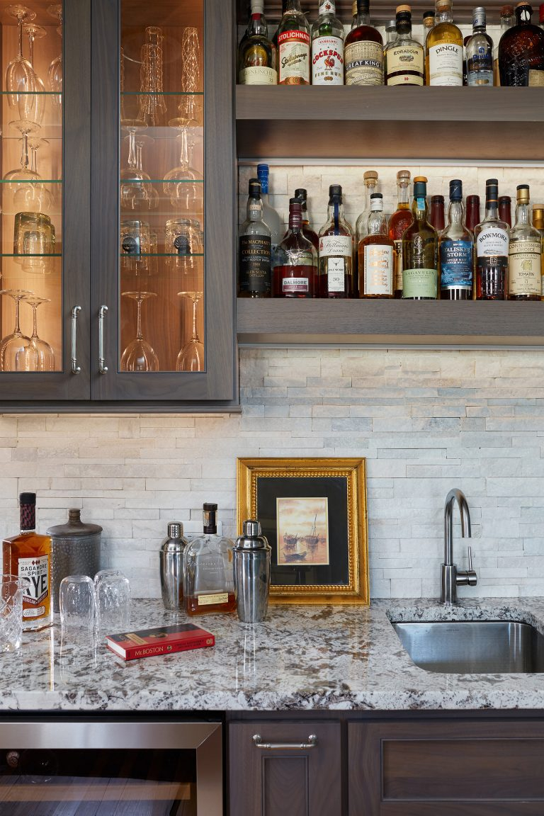 Close up shot of wet bar